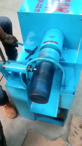 废旧机油滤芯拆解机