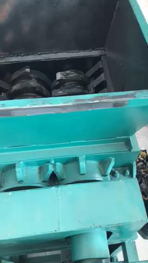 废液压管撕碎机工作视频